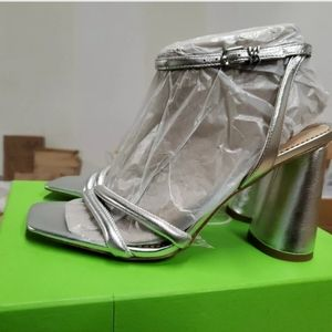 New with box Sam Edelman heel F5768L3020. Size 8. Silver. Thick heel. About4inch